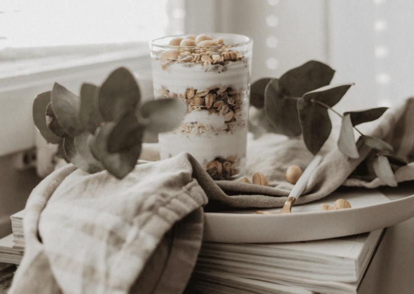 Gesundes Frühstück Homeoffice Granola